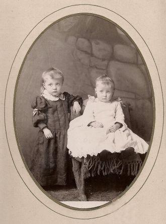 Sturtz, Troutman, Eikenberry, or Moss children, Iowa