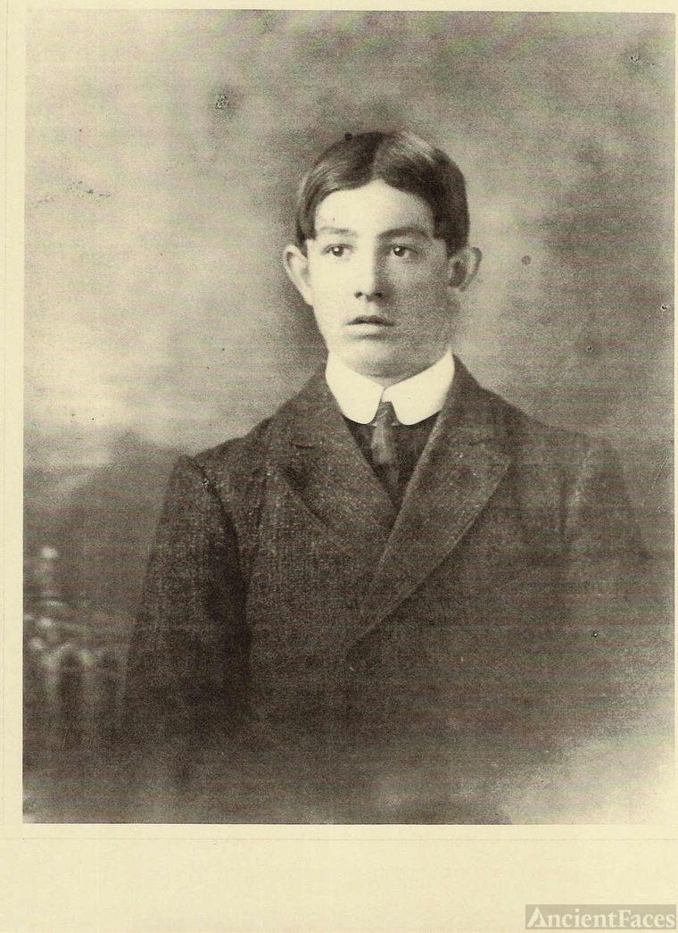 ???Albert E. Fortin