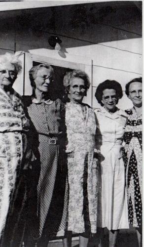 Pettit sisters, older