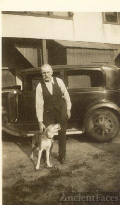 Story Randle Smith with dog Buddy