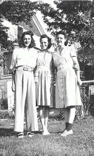 3 Holmes Sisters in 1942