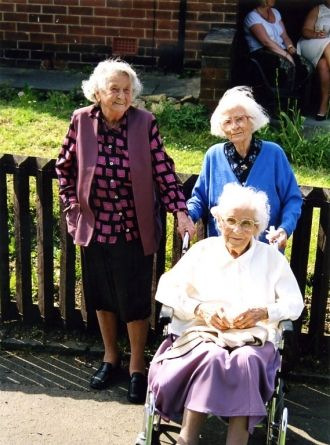 Harriet Dixon, Eunice Bowman, Annie Batey
