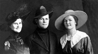 Nellie Steeples Kroetch & Children
