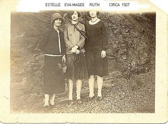 Estelle Joyner with daughters Eva Magee and Ruth