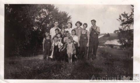 Grandma Jungers and Her Grandchildren