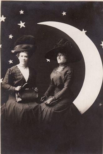 Violet & Gabrielle Moerke
