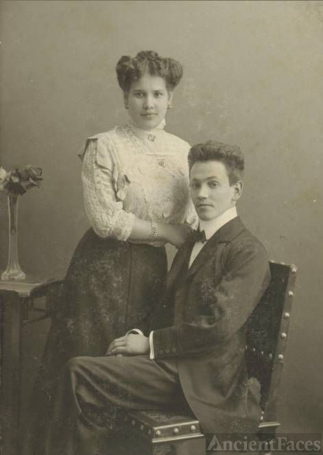 Leopoldine Grünwald and unknown
