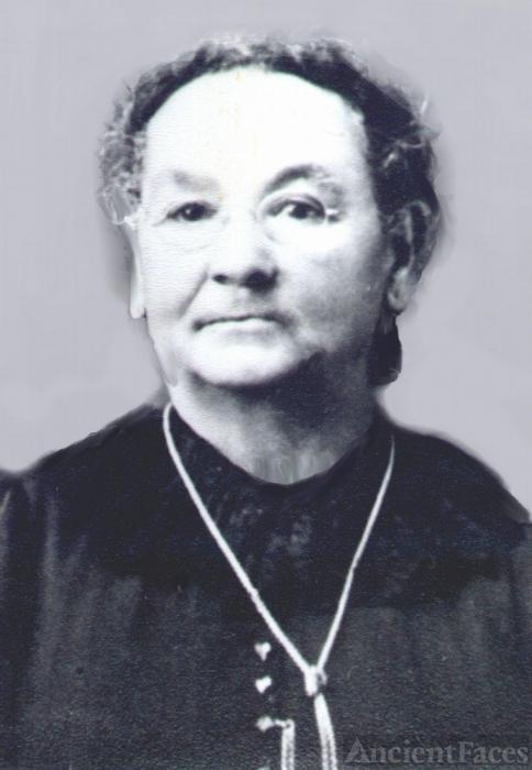 Maria Antonia Avila Linares Gil