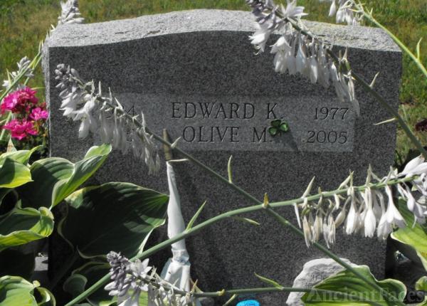 Olive M Reilly gravesite