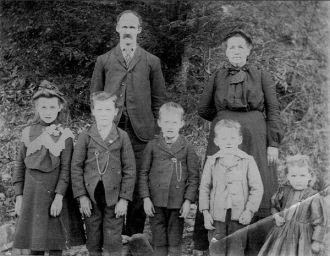 Stape & Ellen Craghead Family, VA