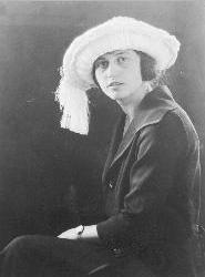 Lena Amalia (Ullrich) Broze, 1921