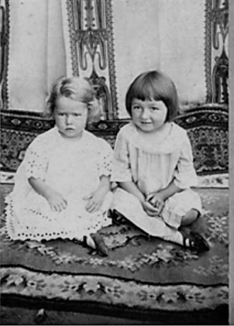 Estelle and Geraldine Vandagriff