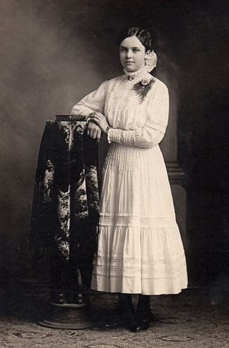 Fanny Meta (Janssen) Roos, 1910