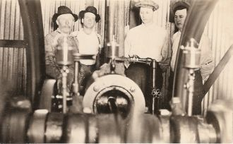 Bill Kennedy,John Nathan Dailey, John Douglas & unknown man 1913
