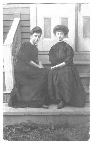 Ellen (Meehan) Lillis and bridesmaid