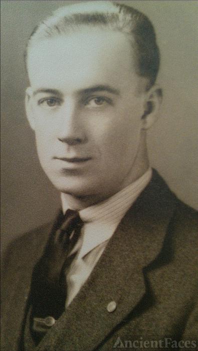 Richard B Crippen