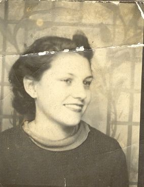 Lorraine Lucas abt 1940