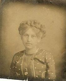 Possible Dunbar woman?