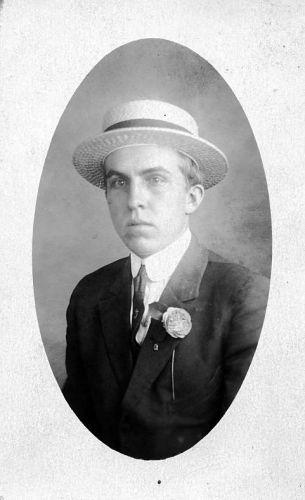 A photo of Gordon Van Kleeck