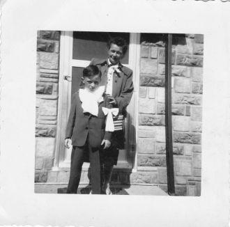 Billie and Gertrude Kearns