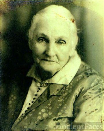 Adelia Celestine Almand, 1910