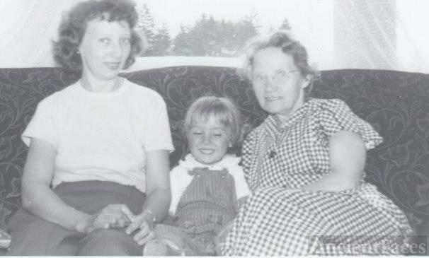 Sampson family reunion photo