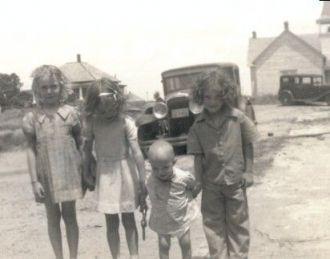Children in Elk City OKlahoma