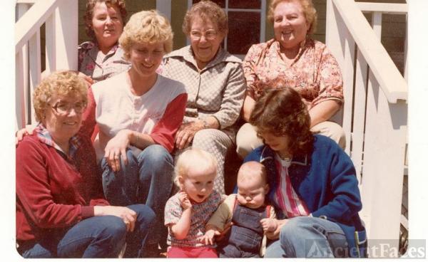 Gaddis Sisters, daughters & Grandchildren