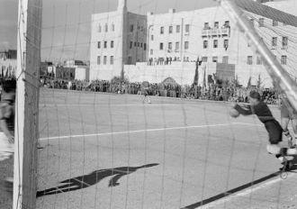 Football match on 'Y' field on Ap. 4, 1942 between Greek...