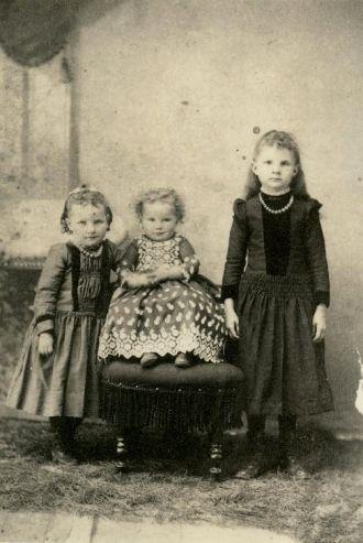 Sarah, Alice and Minnie Smith, 1888