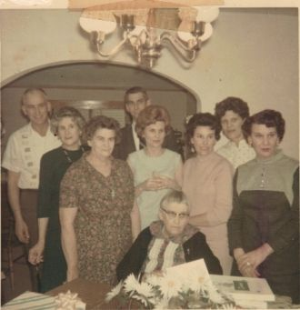 Minnie Eldred and family