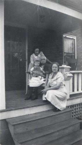 Ingram family, 1945