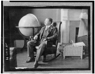 [Theodore Roosevelt, full-length portrait, seated in...