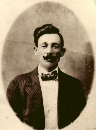 Maximino Morales