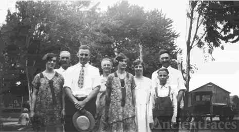 Emanuel & Florence (Hardesty) Sigler Family 1922?