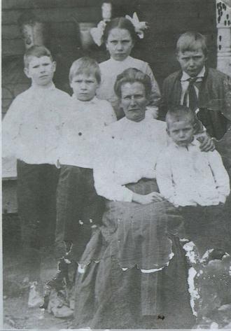 Ida Lawson Nash and children