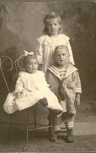 Maurice Pauline Weller,Grace Marie Weller & Evon Frank Weller 1908