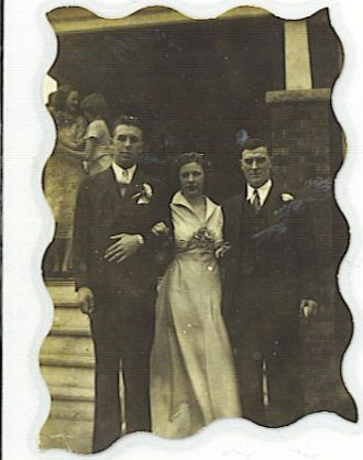 HELEN PEARSON & GORDON DICKEY'S WEDDING PICTURE