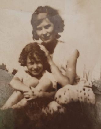 Margaret and Lillian Rocktaschel