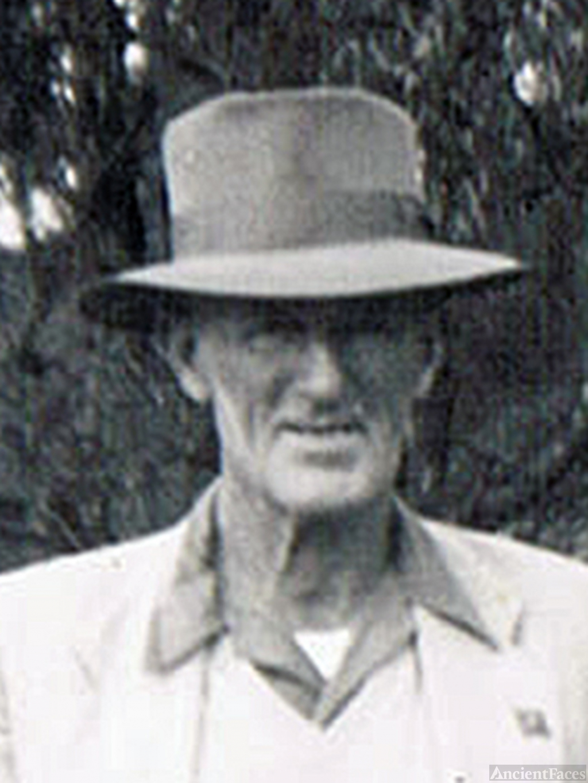 Glennis Gordon Comb