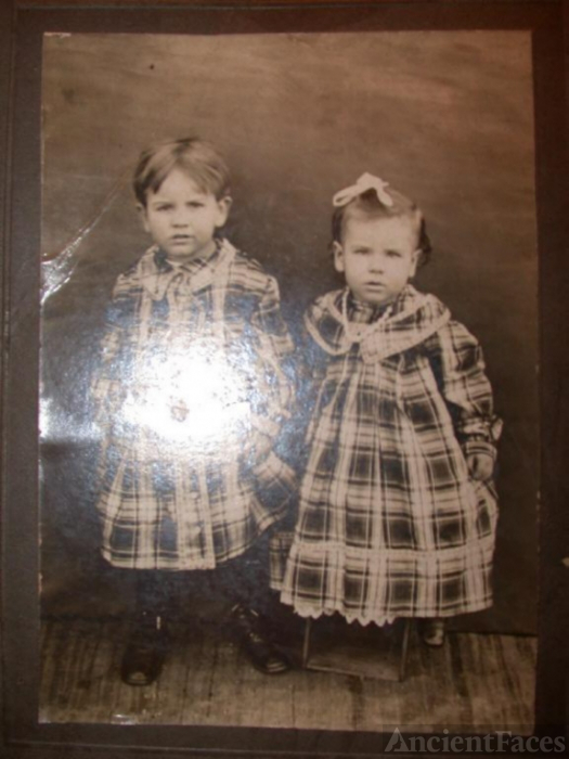 Coats or Davenport families of Randolph Co., IN.