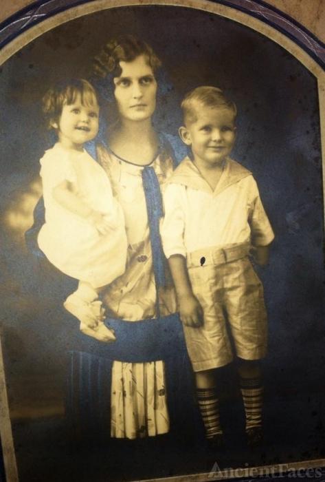 Thelma Burnett Hunter family