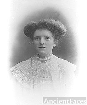 Nellie Tomkim