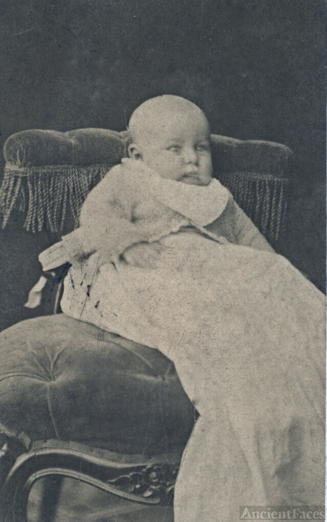 Roy McLean, 6 weeks old