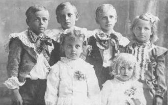 Ullrich children of Amalia (Lau) Schnellbacher 1905