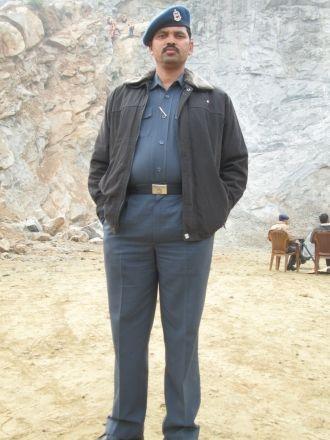 Unnamed Petkar man, India