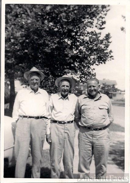 Ed, Walter, and Irvin Ingram (Irvin born 1900)