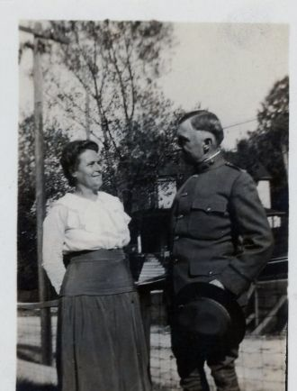 Dr. Frank and Laura (Dickson) Ellis, 1919