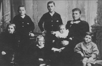 Rebecca (McConnell) McIntyre & family, 1895