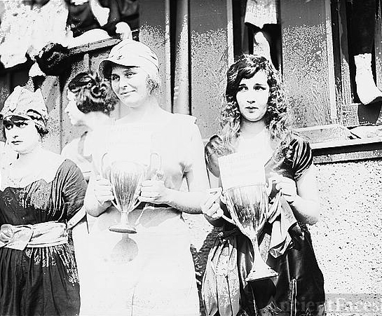 1920's Beach Beauty Contest